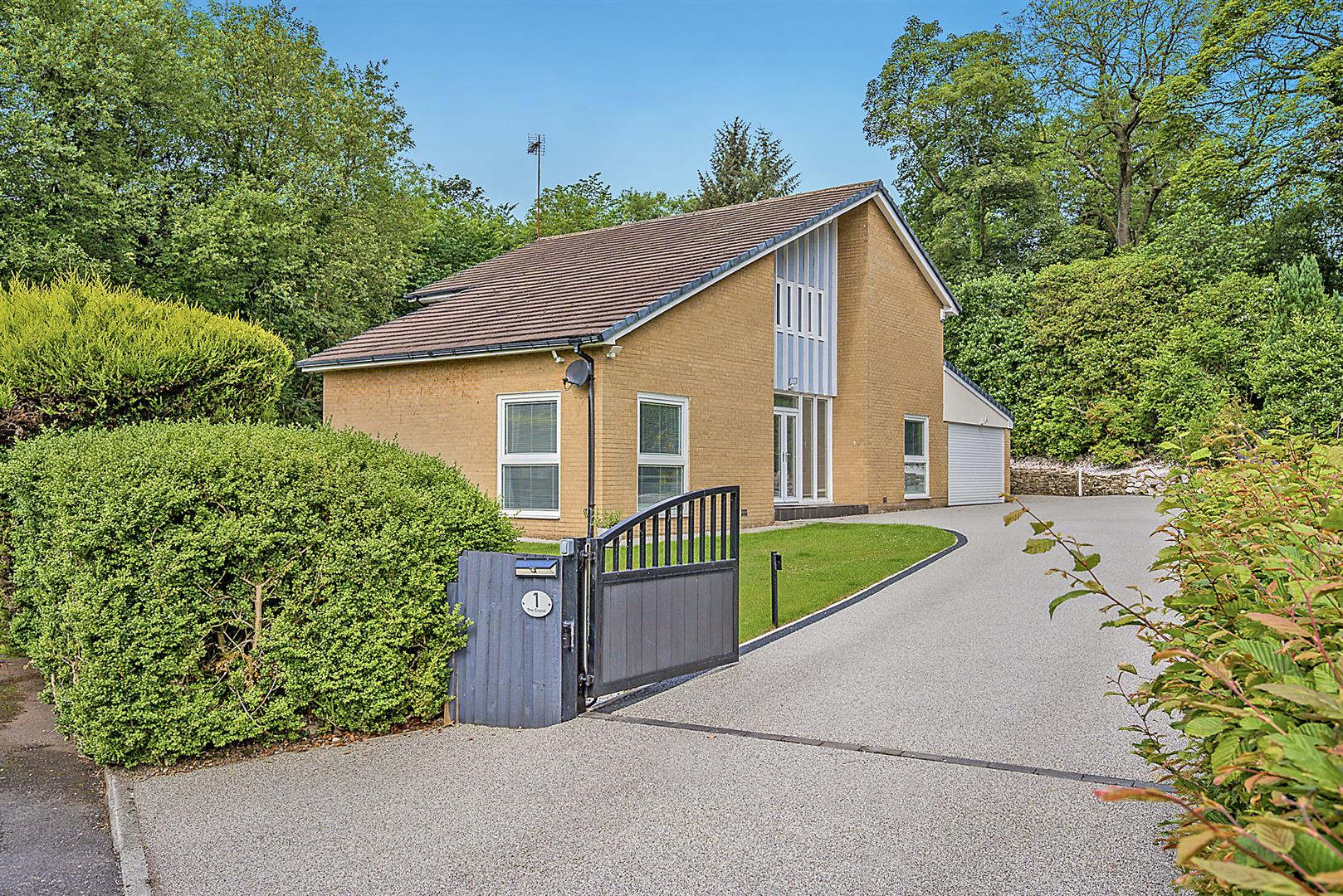 4 bedroom detached house For Sale in Bolton - DSC_6417..jpg.